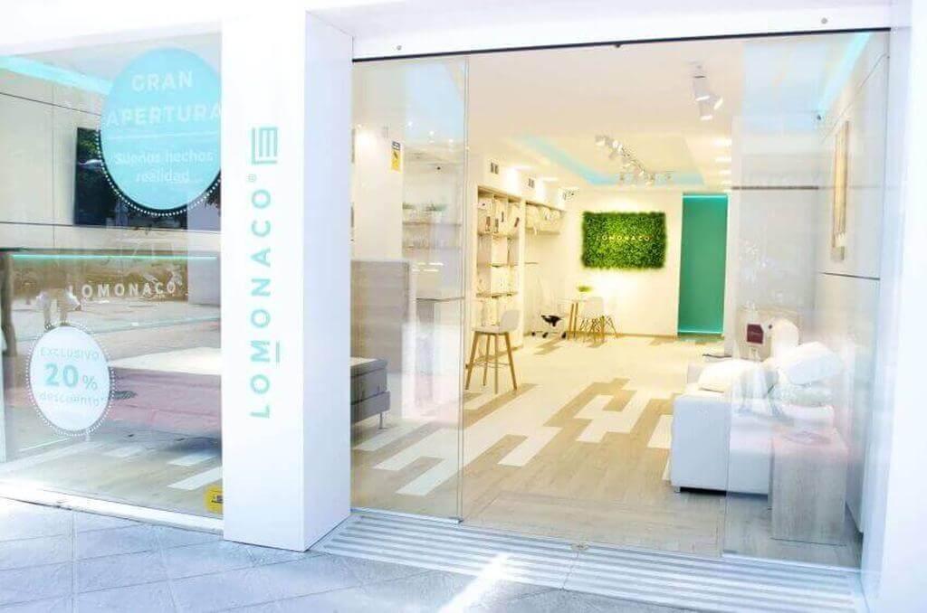 LoMonaco abre su primera tienda de colchones